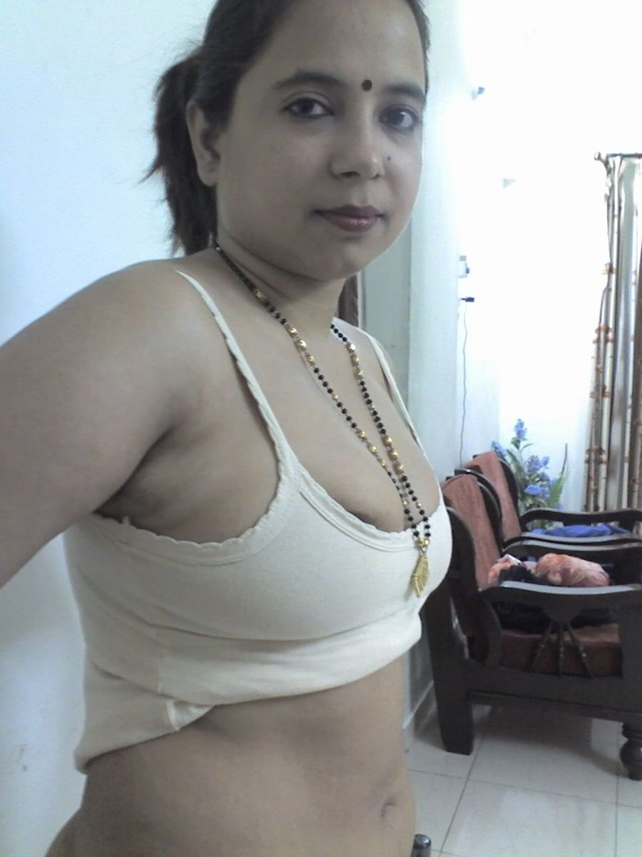 Sexy naked bengali girl photo