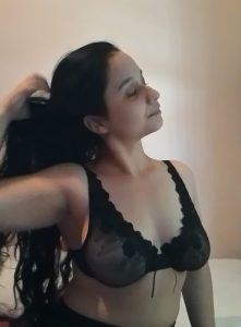 lovely sindhi girlfriend with amazing boobs nude 001