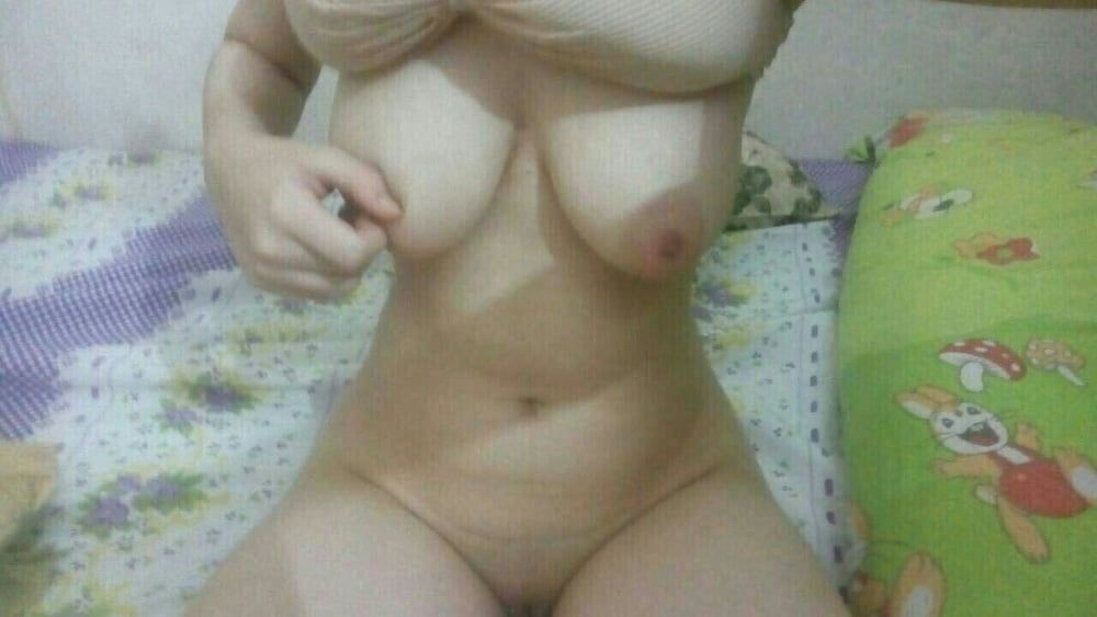 sexy muslim girl with huge boobs selfies 004