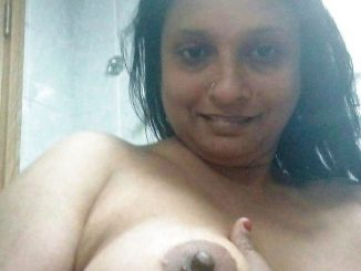 hot jaipur aunty showing boobs in webcam 003