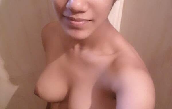 kinky gurgaon call center girl nude selfies leaked 009