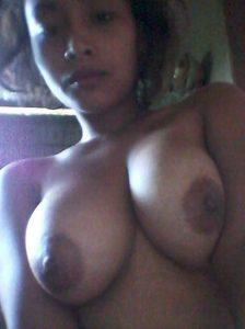 young desi girl with amazing boobs selfies 002
