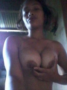 young desi girl with amazing boobs selfies 005