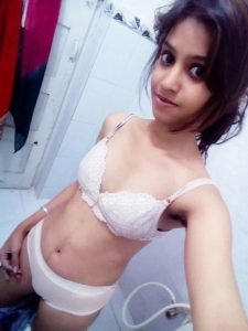 naughty mumbai teen nude selfies leaked 001