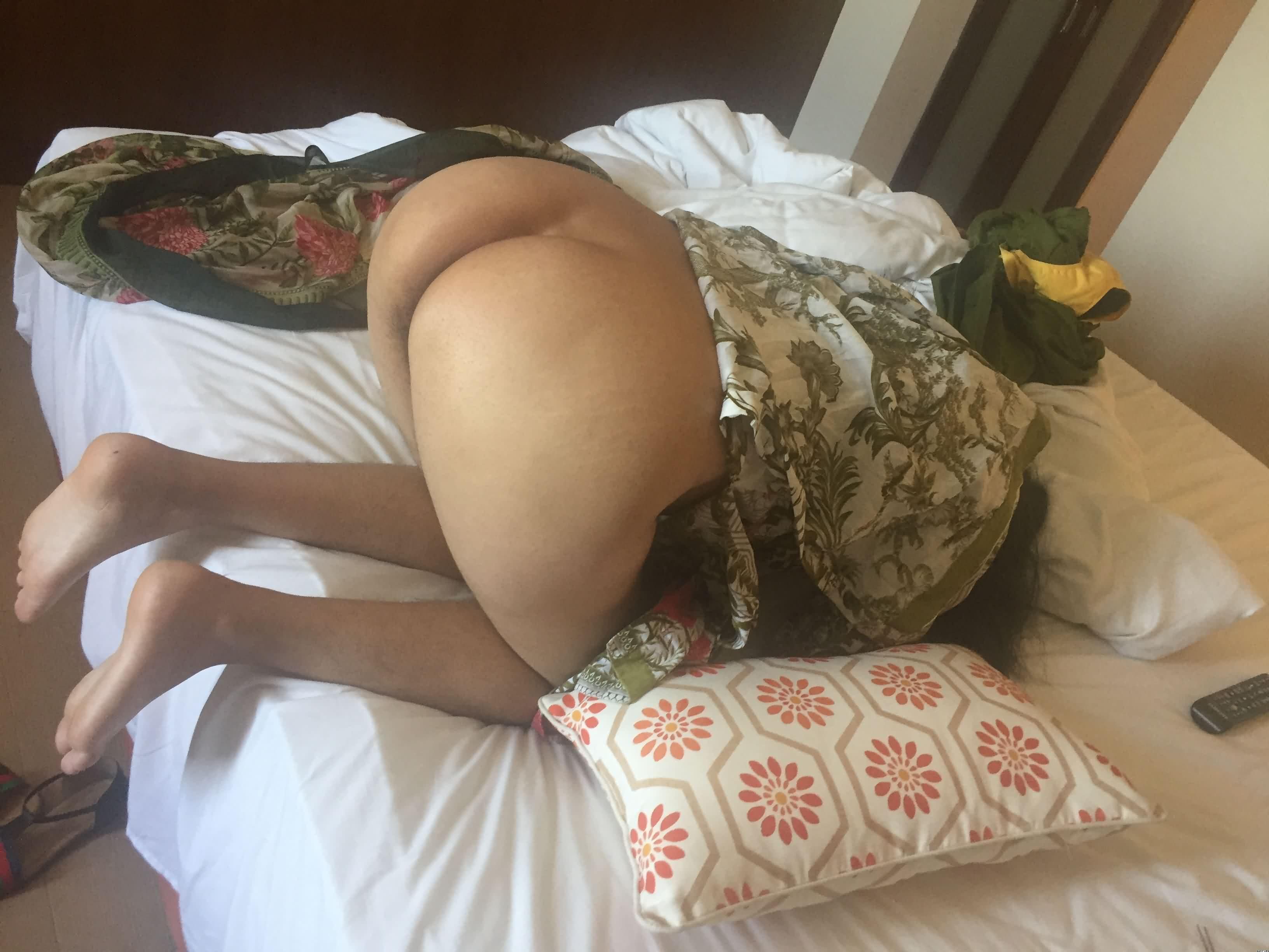 Fan Sub – Punjabi Housewife Strip Pyjamas Ready For Sex