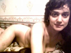 nude indian selfies 003