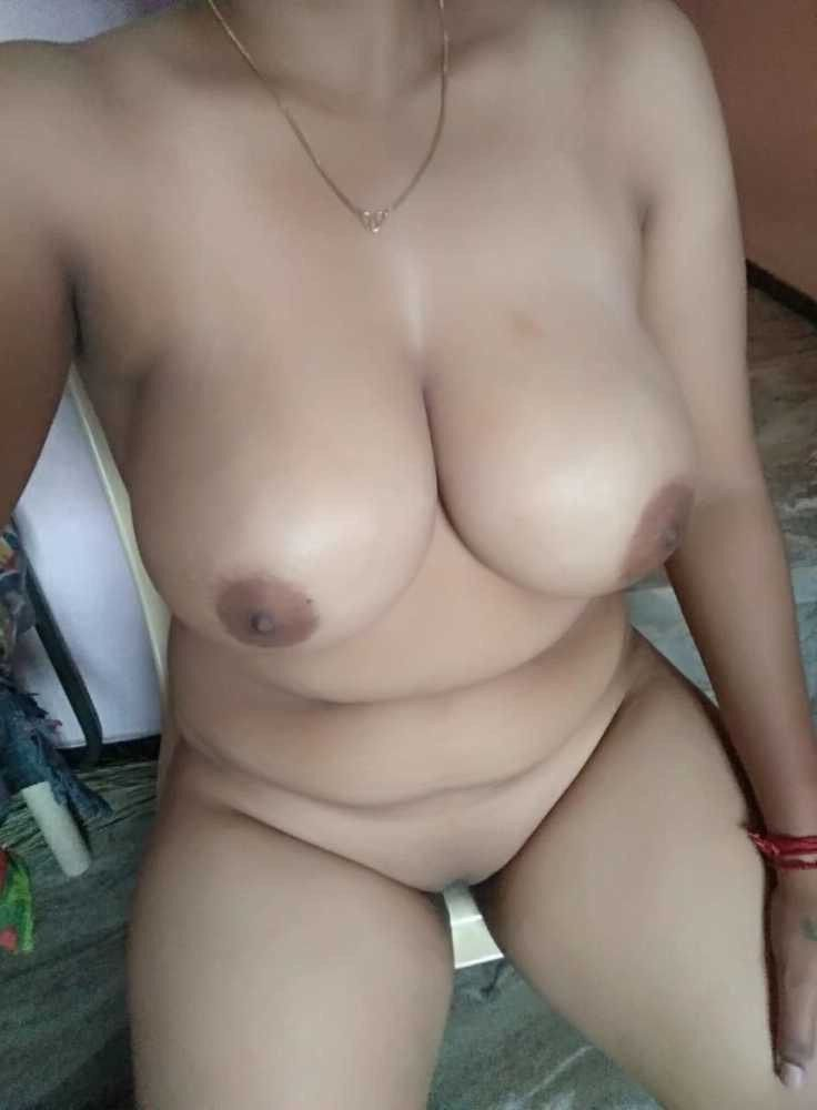 Nude women with big boobs