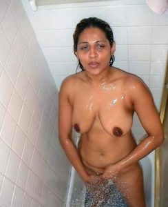 nude indian wife 002
