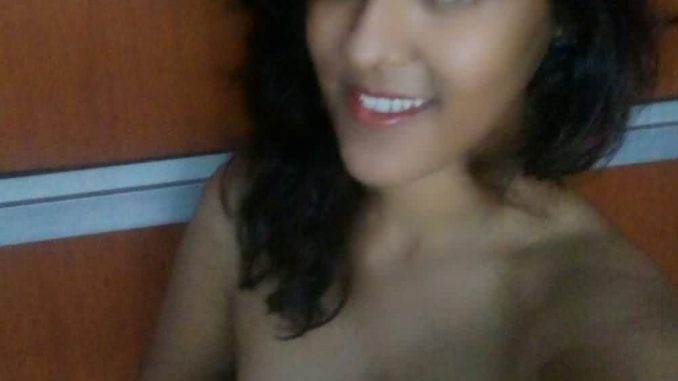 indian teen nude selfies