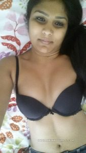 beautiful indian teacher leaked nude photos 009