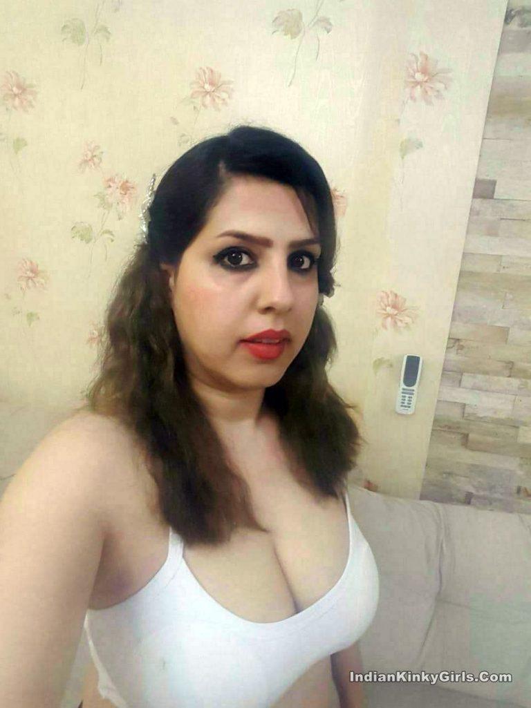 Indian Wife Sending Nude Selfies To Ex-Boyfriend | Indian